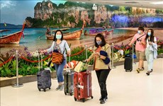 Tailandia relaja las medidas preventivas contra el COVID-19 para promover el turismo