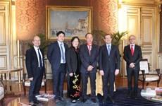 Embajador vietnamita recibe Orden Nacional de la Legión de Honor de Francia