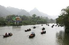 Pagoda Huong en Vietnam recibe a 320 mil visitantes un mes después de su reapertura