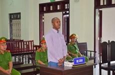 Condenan a pena de muerte en Vietnam a traficante nigeriano de drogas