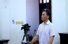 Sentencian a prisión a exfuncionario vietnamita por abusar de libertades democráticas
