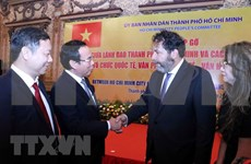 Ciudad Ho Chi Minh refuerza la cooperación con socios extranjeros