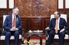 Presidente vietnamita aprecia los aportes del embajador estadounidense