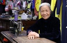 Le Thi Quyen, artesana de más de 70 años en la confección de ao dai