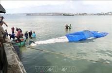 Entierran restos de ballena de cuatro toneladas en provincia vietnamita de Binh Thuan