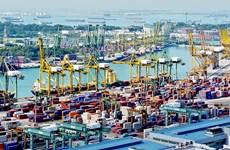 Singapur acelera reducción de emisión de gas de buques marítimos