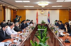 Vietnam y Camboya refuerzan cooperación en comercio, industria y energía
