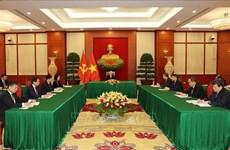 Prensa cubana destaca diálogo de líderes partidistas de Vietnam y Cuba