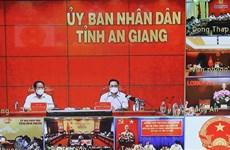 Premier vietnamita exhorta a reforzar control contra COVID-19 para evitar contagio a gran escala