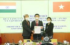 Vietnam entrega 100 ventiladores a la India para respaldar su lucha contra el COVID-19