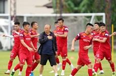 Selección vietnamita de fútbol recibe segunda inyección de vacuna contra el COVID-19
