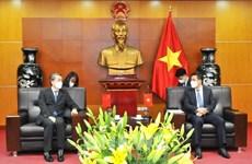 Vietnam y China buscan facilitar comercio bilateral