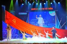 Efectúan en Vietnam programa artístico por 110 aniversario del viaje de Ho Chi Minh