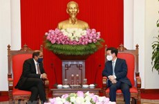 Vietnam considera importante la cooperación con Singapur