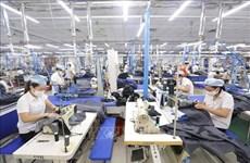 Exportaciones de confecciones y textiles de Vietnam aumentan en primeros cinco meses