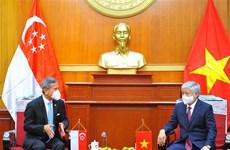 Promueven Vietnam y Singapur intercambio pueblo a pueblo