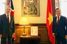 Destaca Reino Unido relaciones con Vietnam