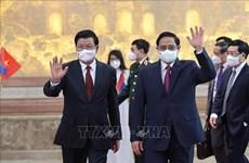 Premier de Vietnam conversa con máximo dirigente de Laos