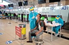 Proporcionan servicio de pruebas rápidas del COVID-19 en aeropuerto de Hanoi