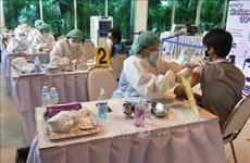 Tailandia construye hospitales de campaña en aeropuertos de Bangkok