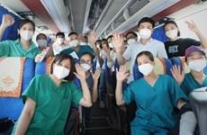 Personal médico incrementa apoyo a Ciudad Ho Chi Minh en lucha contra COVID-19