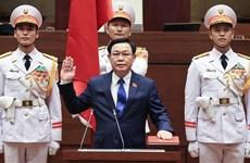 Vuong Dinh Hue jura su cargo como presidente del Parlamento vietnamita
