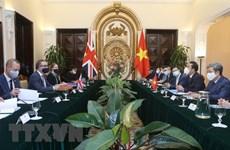 Vietnam y el Reino Unido por intensificar lazos en sectores clave