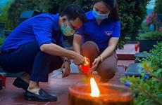 Jóvenes de Hanoi rinden tributo a combatientes fallecidos en guerra