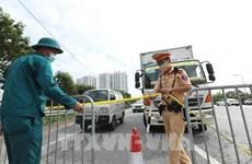 Canalizan tráfico para evitar congestión vehicular en vías de ingreso a Hanoi
