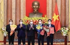 Entregan decisiones de nombramiento a los miembros del Gobierno vietnamita