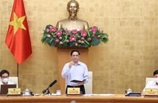 Primer Ministro vietnamita insta a tomar nuevas soluciones en la lucha contra el COVID-19