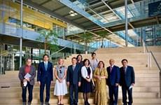 Suiza comparte con Vietnam experiencias en investigaciones científicas