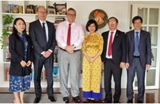 Funcionaria vietnamita recibe Orden del León de Finlandia