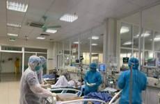 Agencia japonesa entrega dispositivos médicos para tratamiento del COVID-19 a Ciudad Ho Chi Minh