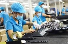 Vietnam ofrece mayor apoyo a trabajadores afectados por el COVID-19