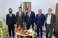 Fortalecen cooperación entre Partido Comunista de Vietnam y Frente de Liberación Nacional de Argelia