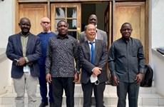 Vietnam y Tanzania buscan desarrollar cooperación bilateral en materia de inversiones