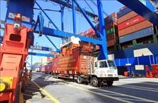 Aumentan mercancías en contenedores a través de los puertos marítimos de Vietnam
