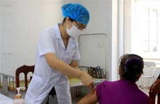 Voluntarios reciben primeras inyecciones en II fase del ensayo clínico de vacuna vietnamita Covivac