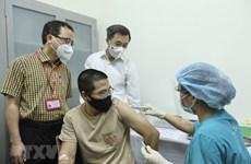 Empeñado en asegurar éxito de ensayo clínico de vacuna ARCT-154 producida por Vietnam