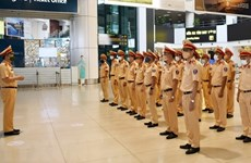 Fuerzas policíacas vietnamitas redoblan apoyo a lucha antipandémica