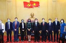 Fortalecen capacitación y desarrollo de capacidad para la futura generación de líderes vietnamitas