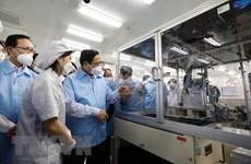 Primer ministro de Vietnam realiza visita de trabajo en Thai Nguyen
