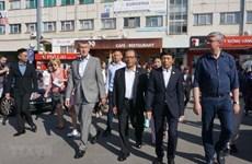 Destaca primer ministro checo papel de comunidad vietnamita en su país