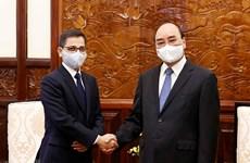 Presidente de Vietnam recibe al embajador indio