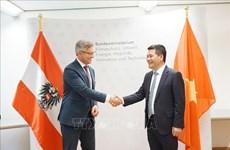 Vietnam y Austria por impulsar cooperación en energías renovables y desarrollo sostenible
