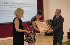 Vietnam confiere Medalla de Amistad a un ciudadano francés