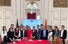 Establecen la Asociación de Estudiantes Vietnamitas en Europa