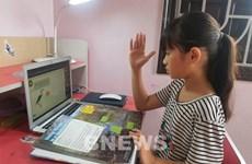 Numerosas entidades donan computadoras a alumnos vientamitas afectados por COVID-19