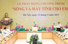 Lanzan en Vietnam programa de donación de computadoras a estudiantes afectados por COVID-19